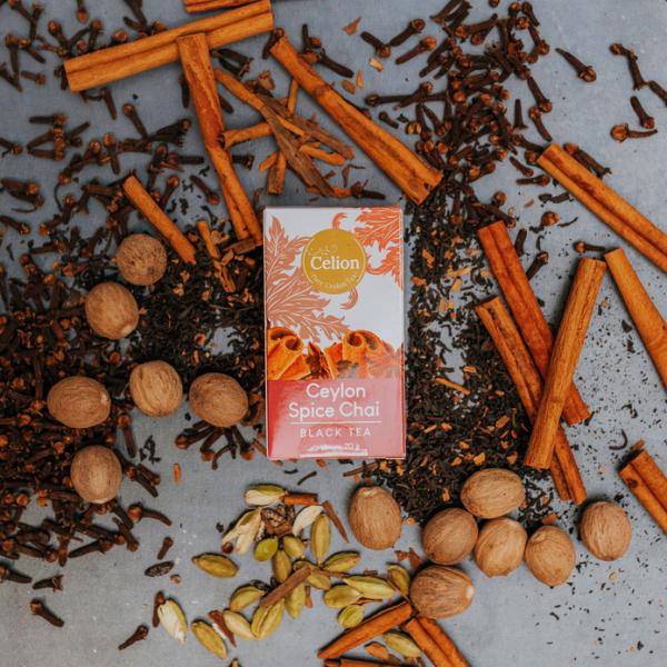 Ceilonas melnā garšvielu tēja ar kanēli, krustnagliņām, kardamonu un muskatriekstu