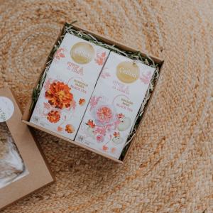 Ceilonas melnās tējas dāvanu komplekts ar kliņģerīšu ziedu tēju un rožlapiņu tēju