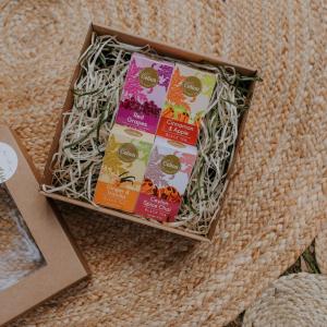 Ceilonas vidējo lapu melnās tējas dāvanu komplekts ar vīnogu tēju, kanēļa tēju, ingvera tēju, garšvielu tēju