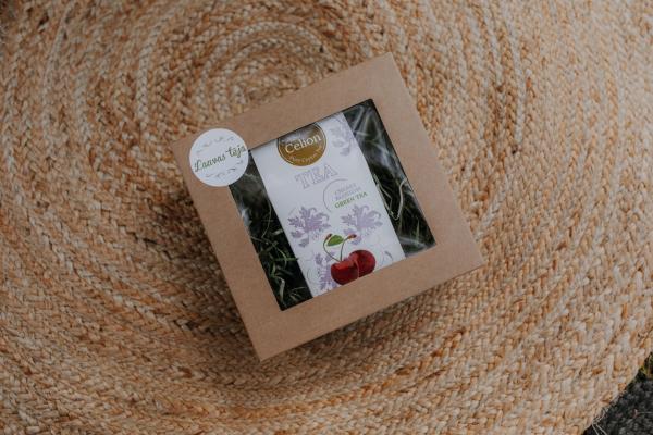Ceilonas lielo lapu zaļās tējas dāvanu komplekts ar ķiršu tēju